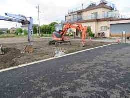 愛西市西光寺の東側大駐車場工事写真・本堂建築写真